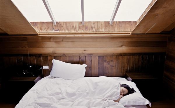 5 Kesalahan Saat Bangun Tidur yang Bisa Merusak Mood Sepanjang Hari