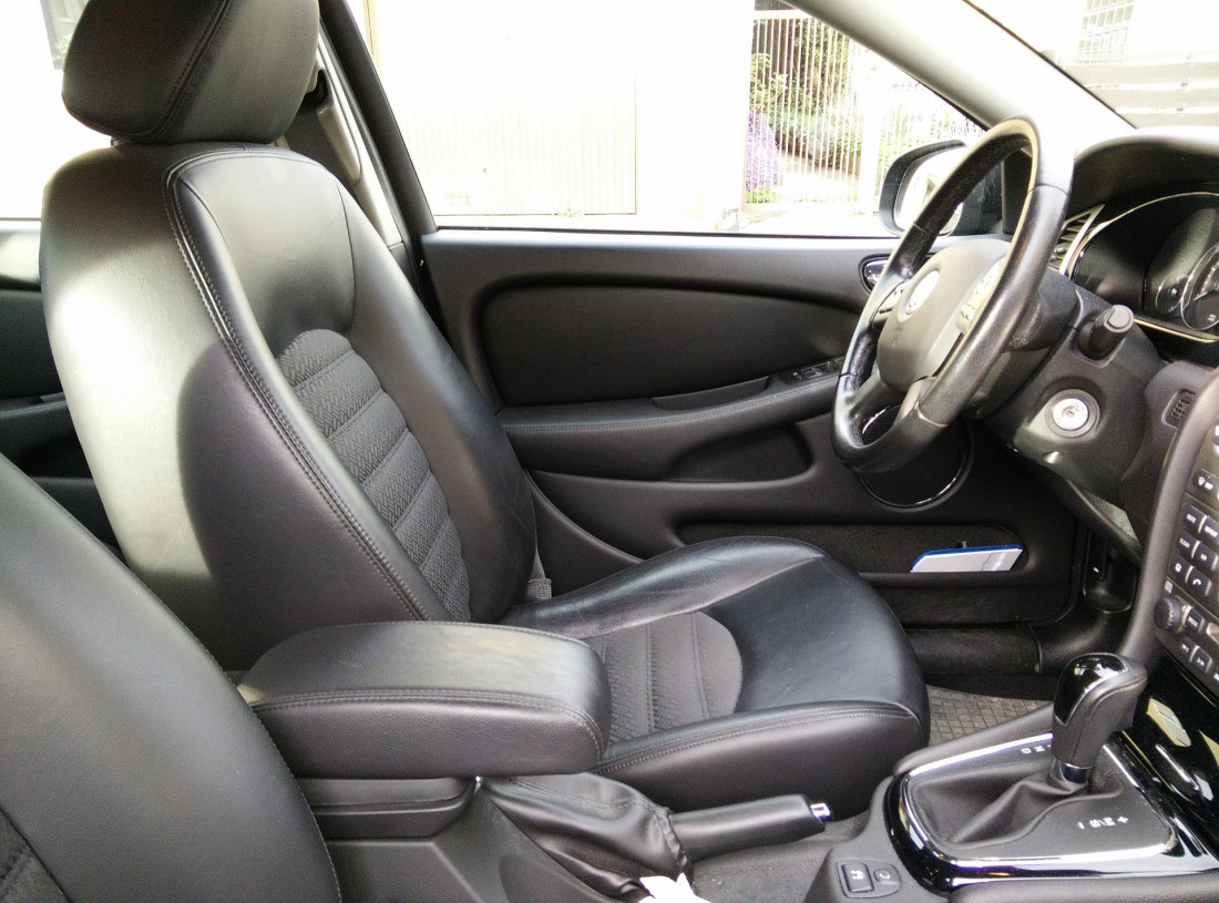 Cara Menghilangkan Bau yang Ada Pada Jok Mobil