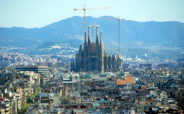 Berkunjung ke Sagrada Familia - Keunikan dan Kebudayaan