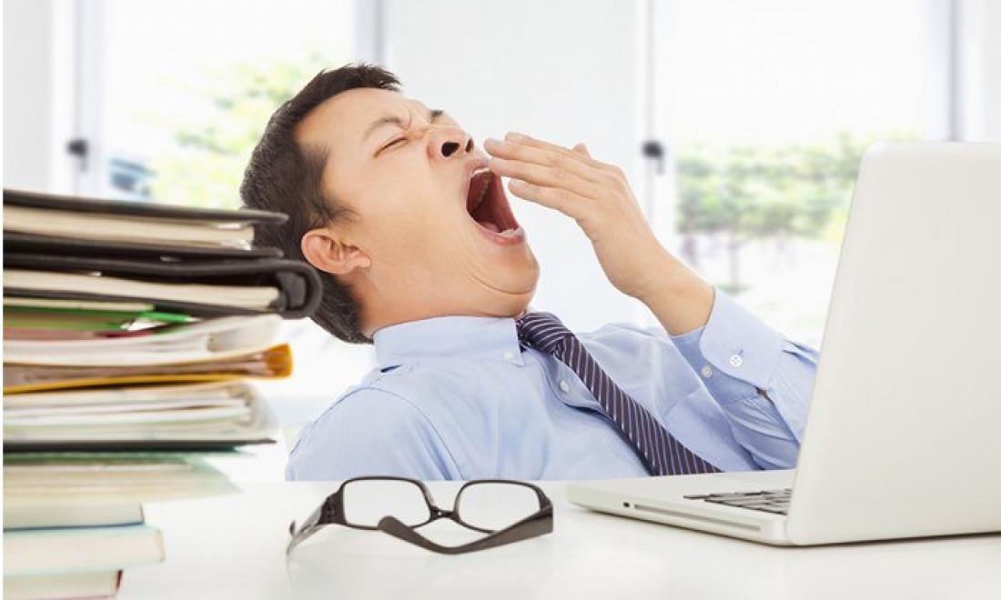 Sering Menguap Saat Kerja? Tanda Tubuh Kekurangan Oksigen