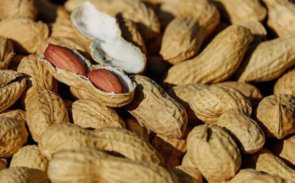Membuat Perut Kembung, Inilah Resiko Mengkongsumsi Kacang!