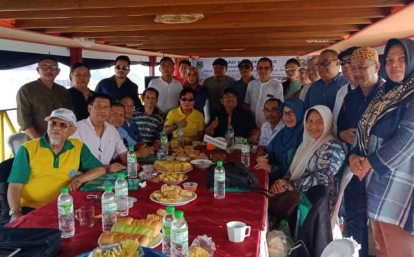 Pesiar Sungai Mahakam: Cara Keren Rapat Kerja Pengurus Bubuhan Banjar