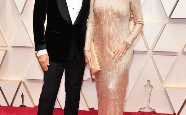 Tom Hanks Positif COVID-19, Warner Bros Hentikan Proses Produksi Film Elvis