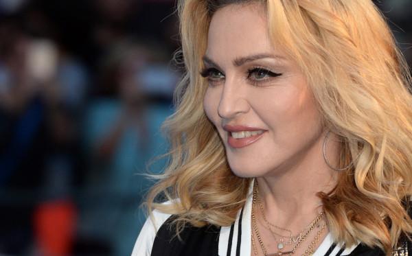 Madonna Sumbang US$1 Juta untuk Penelitian Vaksin Covid-19