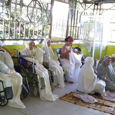 Menjenguk Hari Tua di Panti Jompo Al-Maghfirah