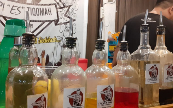 Mocktail Coffee, Signature Kedai Es Tiqomah yang Lahir di Tengah Pandemi