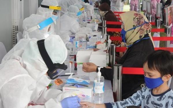 Pemerintah Tanggung Biaya Perawatan Efek Samping Vaksinasi