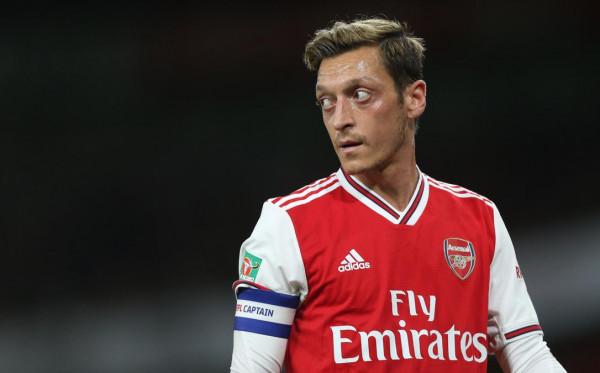 Cuma Makan Gaji Buta, Ozil Bakal Didepak Arsenal