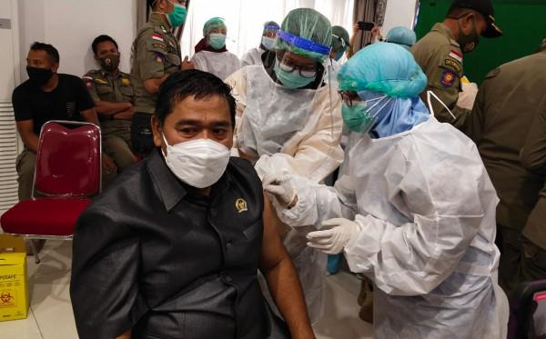 Jadi Peserta Vaksin, Anggota Komisi III Agus Suhadi Berikan Tips Sebelum Disuntik