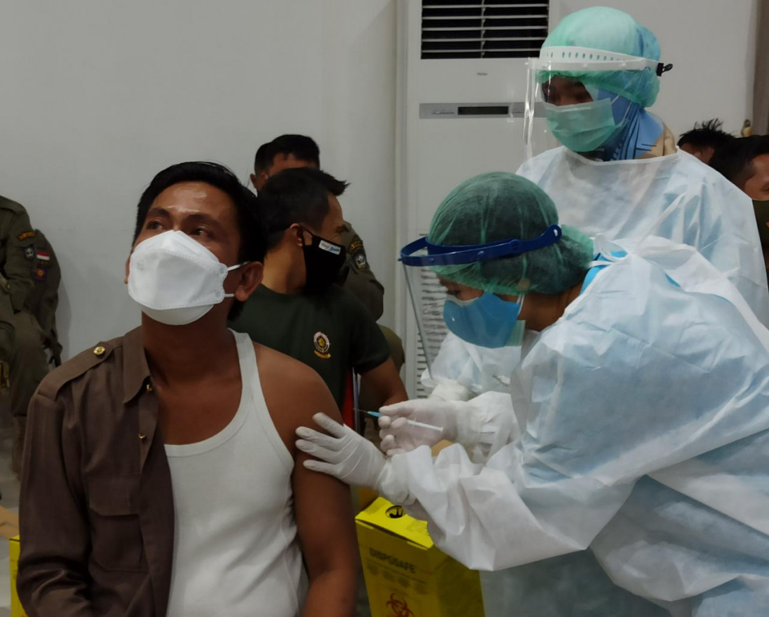 Bakhtiar Wakkang Ajak Konstituen Dukung Vaksinasi Covid-19
