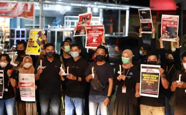 Kecam Penganiayaan Jurnalis di Surabaya, Awak Media Gelar Aksi Solidaritas