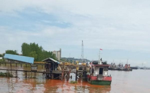 Kapal Minyak Kelapa Sawit Tenggelam di Sungai Mahakam, Satu ABK Hilang