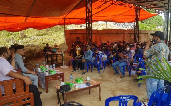 Antusias Warga Desa Suka Rahmat dalam Sosialisasi Perda Bantuan Hukum DPRD Kaltim di Kutim