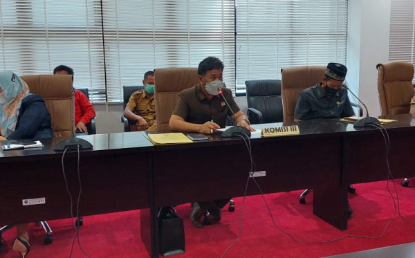Banyak Disorot, Komisi III DPRD Bontang Gelar RDP Bahas Jalan Rusak Menuju Bontang Lestari