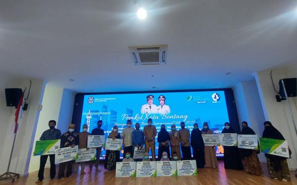 Peringatan Hari Buruh Internasional, BPJamsostek Serahkan JKK dan Beasiswa Untuk Ahli Waris Peserta