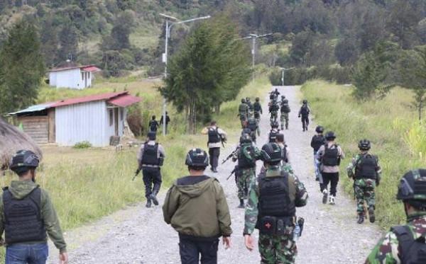 Baku Tembak di Papua Tewaskan Satu Anggota KKB