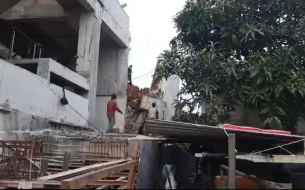 Pagar Tembok Nyaris Ambruk, Kontraktor BCM: Sudah Diperbaiki Jadi Jangan Dibesar-besarkan