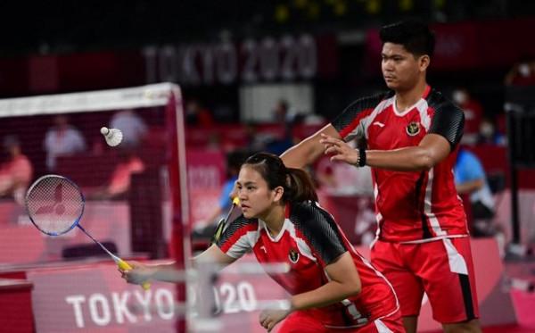 Kesal! Pasangan Denmark Banting Raket Usai Dikalahkan Preveen/Melati
