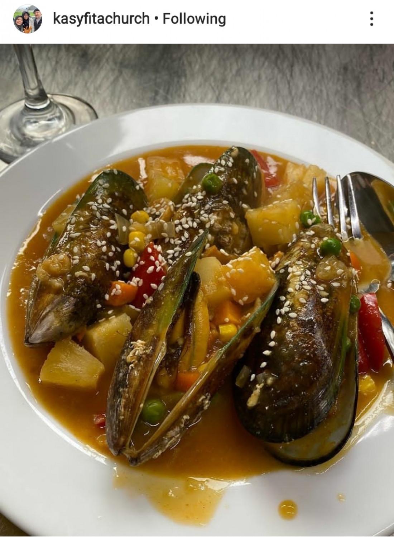 Mussels in Garlic Butter Lemon Sauce