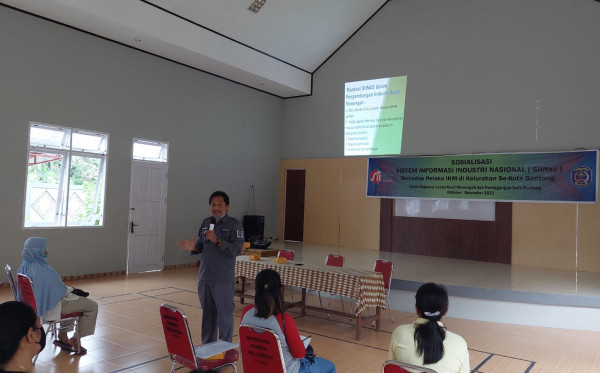 Diskop UKMP Bontang Sosialisasi Program SIInas ke Pelaku IKM Kelurahan Kanaan
