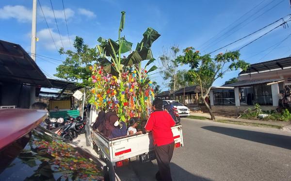 Kerukunan Keluarga Banyuwangi Kota Bontang  Rayakan Maulid dengan Tradisi Endog-endogan