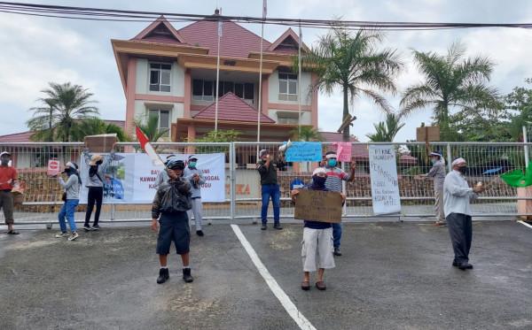 Serikat Pekerja KEP Bontang Tuntut Pembayaran Pesangon Eks Karyawan Kaltim Equator